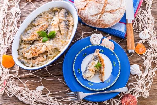Crossly inlaid fried herrings
